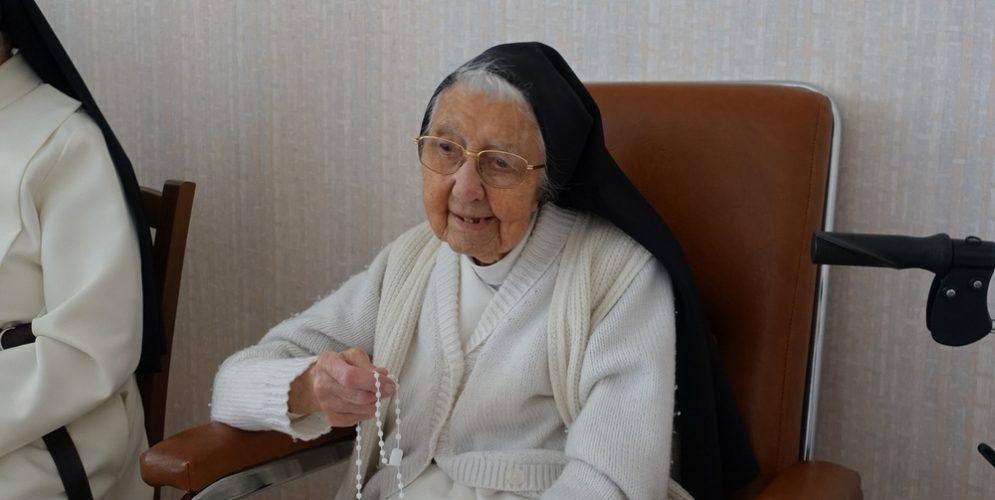 Ste Anne, priez pour nous!
